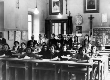 I giovani sotto il fascismo - il progetto educativo di un dittatore