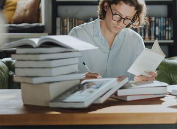 Concorso pubblico, per esami, per la copertura con contratto di formazione e lavoro della durata di 24 mesi, di n.4 posti di istruttore direttivo tecnico