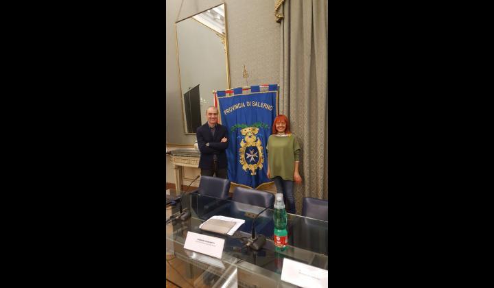 ilSegretario generale dottoressa Giuseppina Fiorentino e l'ingegnereRaffaele Gareri, Direttore dell'Area delle Risorse e dei Servizi di Area Vasta