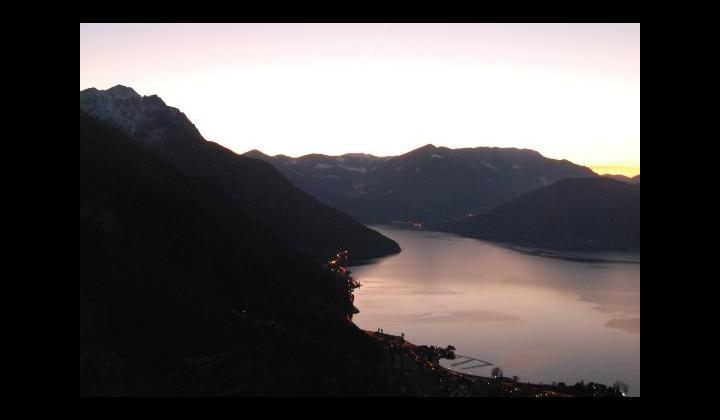 SPBS 510 illuminata e il Lago d'Iseo - 2