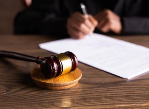 Asta pubblica alienazione beni immobili proprietà provinciale non strumentali all'esercizio funzioni istituzionali mediante procedura ad evidenza pubblica espletata da S.O.C.C.O.V. SRL-Istituto Vendite Giudiziarie di Brescia per n.2 lotti-procedura 1/2021
